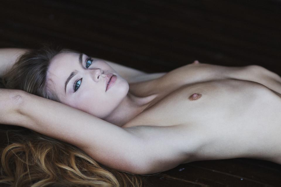 meria-king-nude