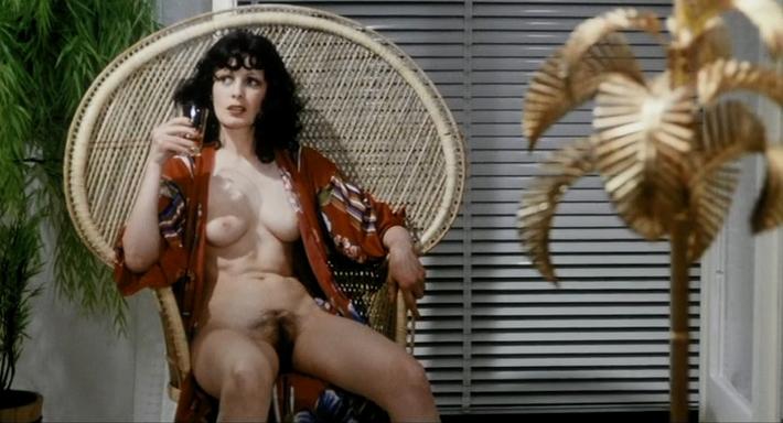 покорно легла голые актрисы в ретро фильмах любят попарить свои