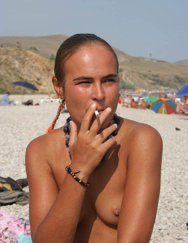 Girls nude beach