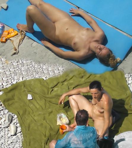 BeachHunters 19061-19151 (Nude People Over the Beach – Hidden Beach, Nudism, Topless)