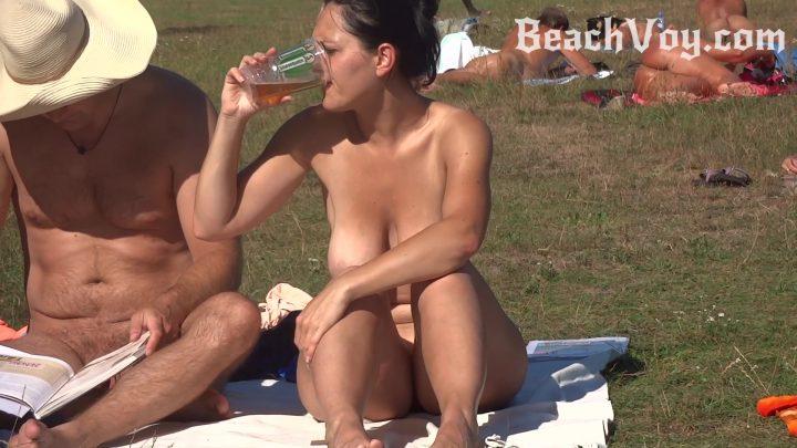 !!BONUS VEEKEND VIDEO!!BEACH VOY!!Beer, Phone, Sun, And No Clothes