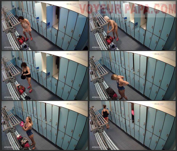 hidden camera in the women's locker room fitness club 2